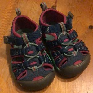 Toddler Size 5 Keen Shoe
